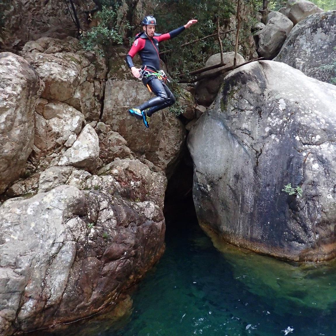 lucas-moniteur-escalade-canyoning